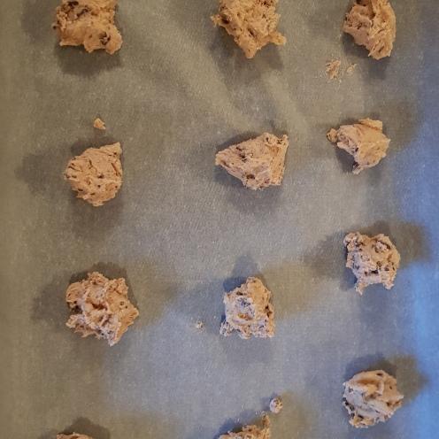 les petites boules de pâte prêtes à cuire